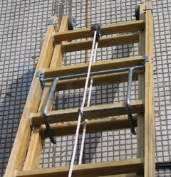 Лестница раздвижная диэлектрическая ЛСПР (с тросом)